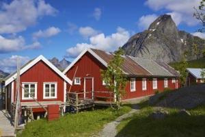 Dipingere casa esterno simple il colore esterno delle - Case norvegesi interni ...