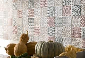 Geometria e fantasia per le piastrelle della cucina