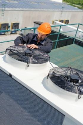 tecnico impianto climatizzazione