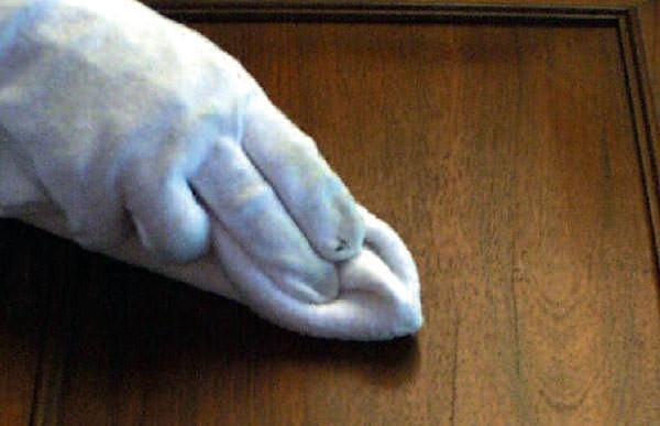 Pulizia con verniciatura in gommalacca