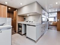 Cucina da yacht: Arclinea Convivium per Custom Line 100'