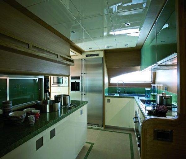 Cucina da yacht: Ernestomeda Custom Line 97', Silverbox