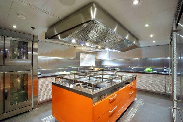 Cucina da yacht: Ernestomeda, CRN GiVi, Silverbox