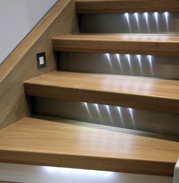 Illuminazione emergenza per rampe di scale