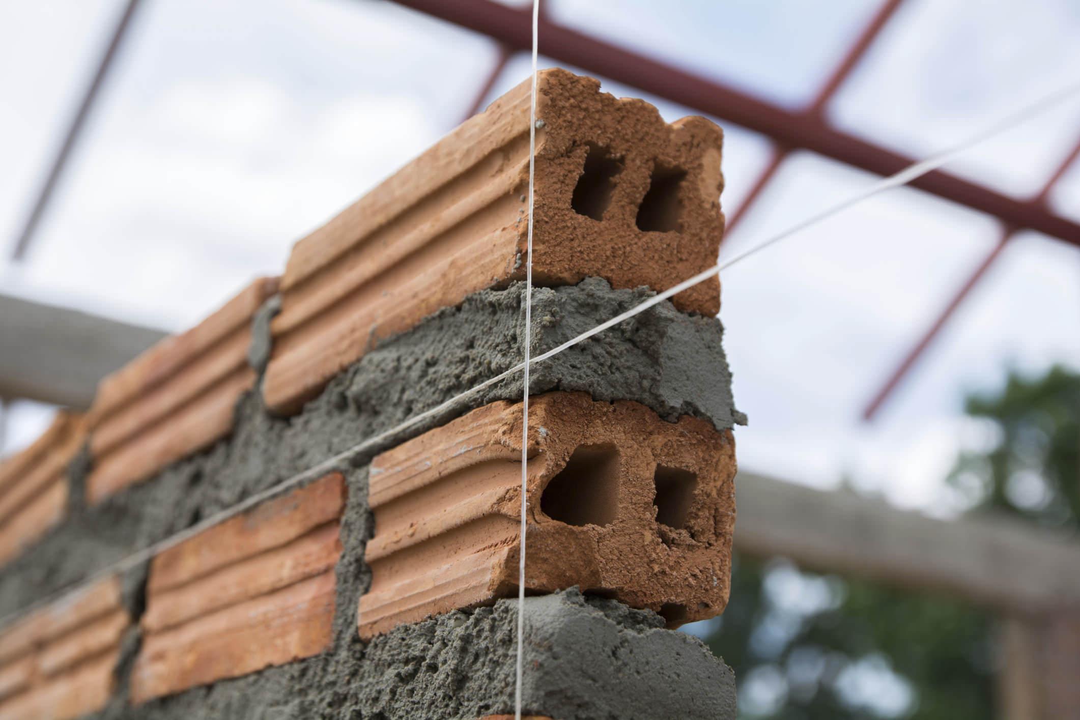 Come si compongono e come miscelare malta e cemento for Semplici piani di casa in blocchi di cemento