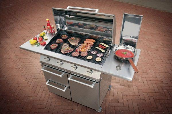 Nuove cucine per terrazzi e giardini: Steel, Caddie