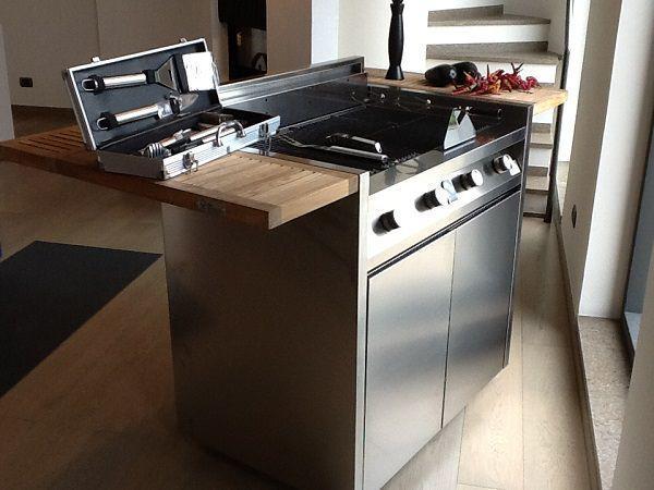 Nuove cucine per terrazzi e giardini: Steel, Green