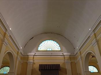 Falsa volta a botte, a copertura di una chiesa a navata unica.