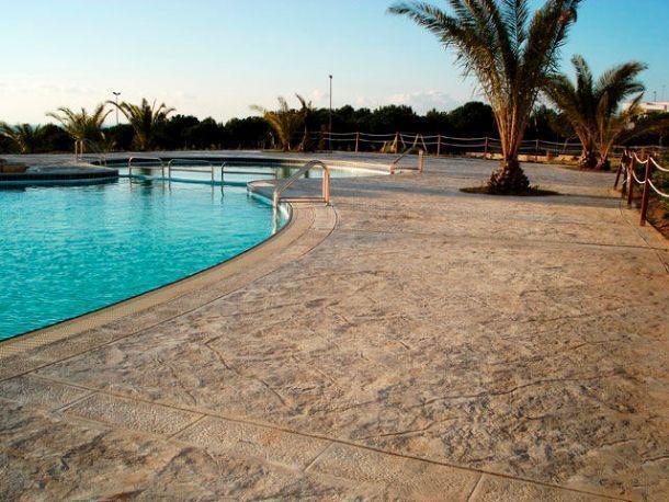 Pavimenti e rivestimenti stampati for Pavimento esterno effetto pietra