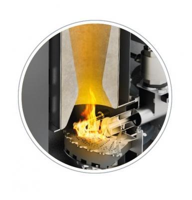 Pellematic Condens combustione di OkoFEN Italia Srl