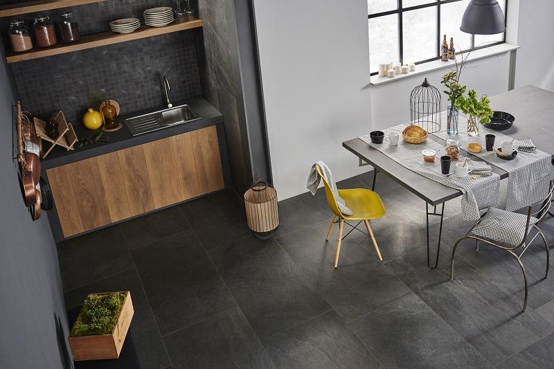 Pavimenti ceramica e rivestimenti in piastrelle in cucina