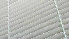 Brise soleil: schermature solari fisse ed orientabili