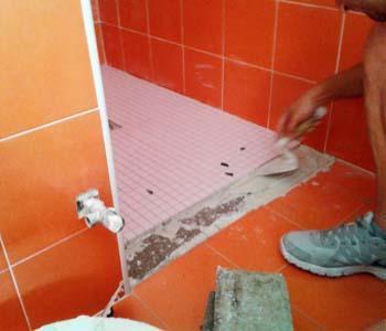 La realizzazione del nuovo vano doccia