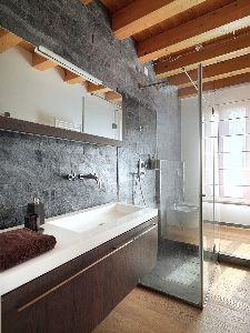 Doccia in bagno lungo e stretto - Piatti doccia piccoli ...