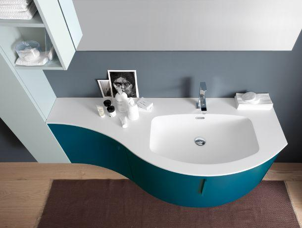 Arredamento bagno sinuoso o minimal - Mobile bagno azzurra ...