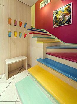 Scale colorate for Rivestire una scala in legno