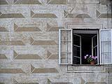 Bugnato diamantato dipinto a fresco su facciata, probabilmente datato al tardo Rinascimento (XVI)