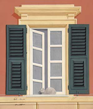 Finta finestra con cornice, trabeazione, persiane e gatto sul davanzale.