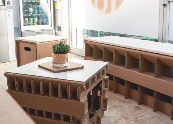 Tavolino basso in cartone benair con piano in mdf di Nardi