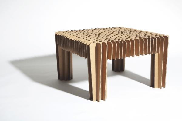 Tavolino in cartone di David Grass