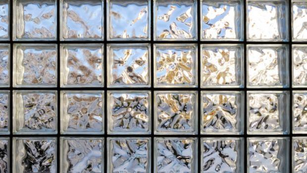 Costruire pareti in vetrocemento