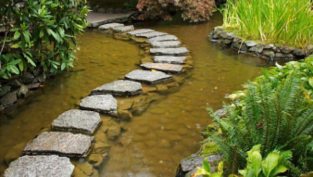 sistemazione esterna del giardino - Arredare Il Giardino Con Le Pietre
