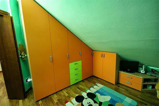 Mobili per camere in mansarda for Camerette per mansarde arredamento