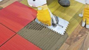 Posare un pavimento in ceramica