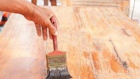 Finitura a cera per mobili in legno