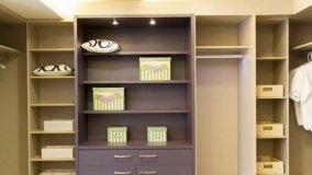 Trasformare il disimpegno in una piccola cabina armadio