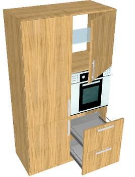 Un camino tra soggiorno e cucina: colonne alte con dispensa