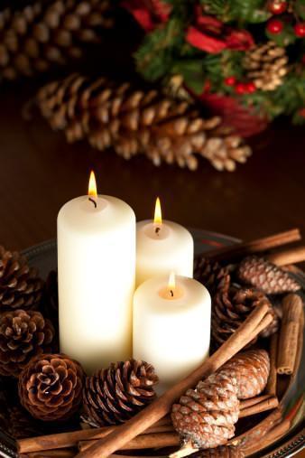 Natale consigli utili per decorare la casa - Decorare candele per natale ...