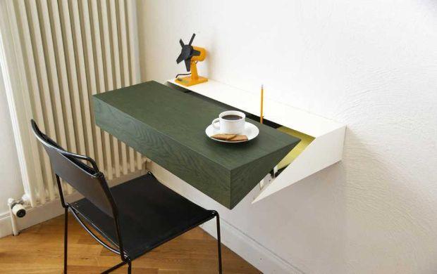 Scrittoio salvaspazio di Desk Box di Raw edges Design Studio