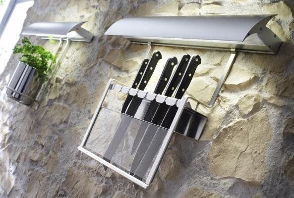 Riprogettare lo spazio cucina: accessori sottopensile