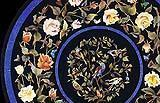 Composizione floreale in commesso fiorentino.
