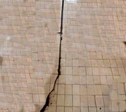 Lesioni nel pavimento in seguito a sollecitazione solaio