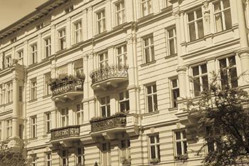 Un esempio di facciata decorata a bugnato.