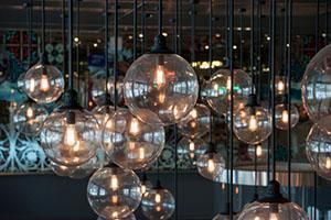 Illuminazione lampade d 39 atmosfera for Lampade da comodino particolari