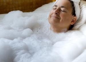 Mezza Vasca Da Bagno Misure.Trasformazione Vasca Da Bagno Per Anziani