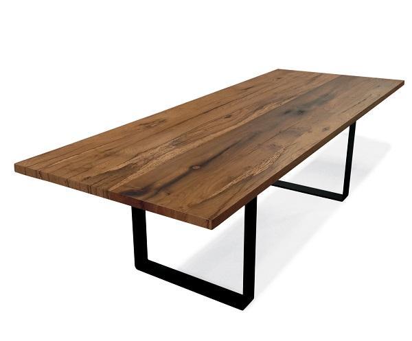 Tavolo fisso e tavolo allungabile for Tavolo salone