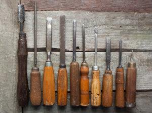 lime e raspe per lisciare il legno