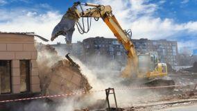 Demolizione e acquisizione delle opere abusive e locazione