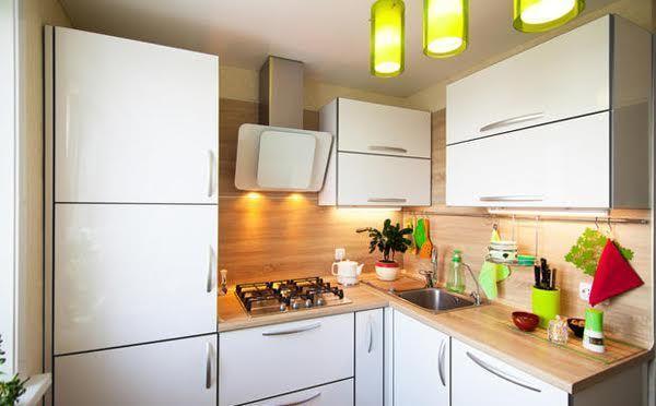 Prese Elettriche Su Piani Di Lavoro In Cucina