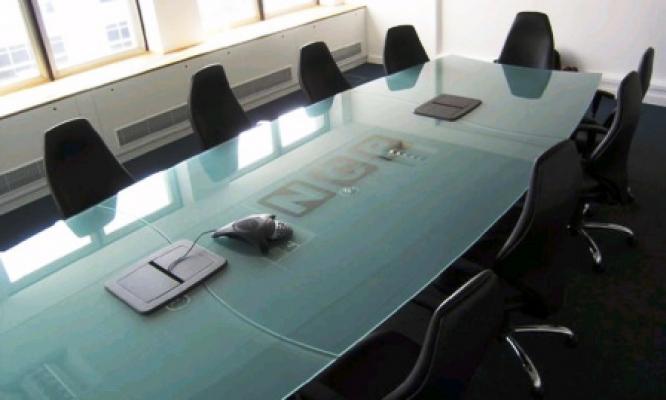 Protezione tavolo conferenze