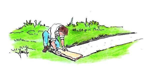 Posa pietra di collegamento per costruire muretto in giardino
