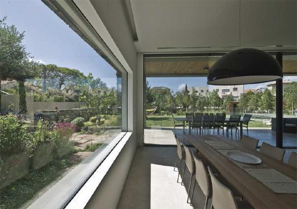 Finestre scorrevoli tutto vetro - La casa con le finestre che ridono ...