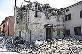 Le normative sulla prevenzione del rischio sismico riducono i danni in caso di terremoto.