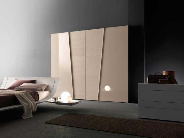 armadio Diagonal con ante complanari di Presotto