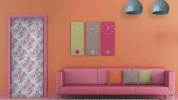 Decorazioni adesive per le porte di casa