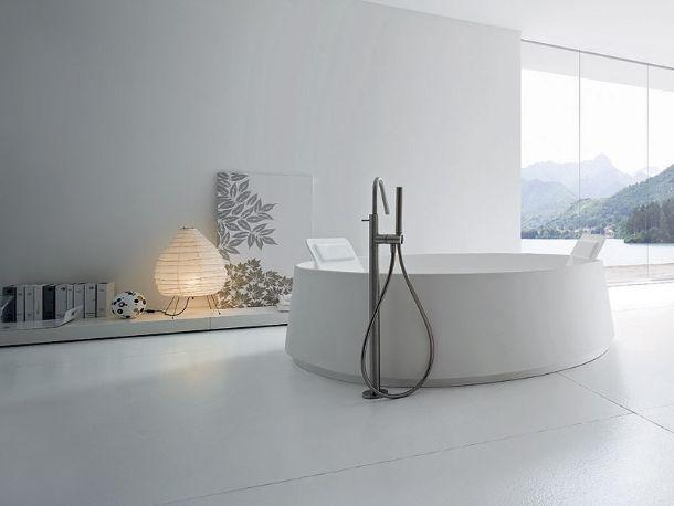 rubinetto a piantana per bagno mod. Mae di IDF Design